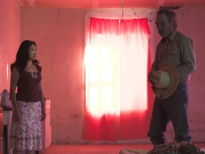 Still from THE THREE BURIALS OF MELQUIADES ESTRADA (2005). Cecilia Suárez as Rosa, and Tommy Lee Jones as Pete Perkins.